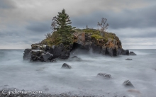 North Shore, Hollow Rock
